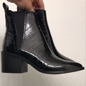 Steve Madden skin booties audience black pointy